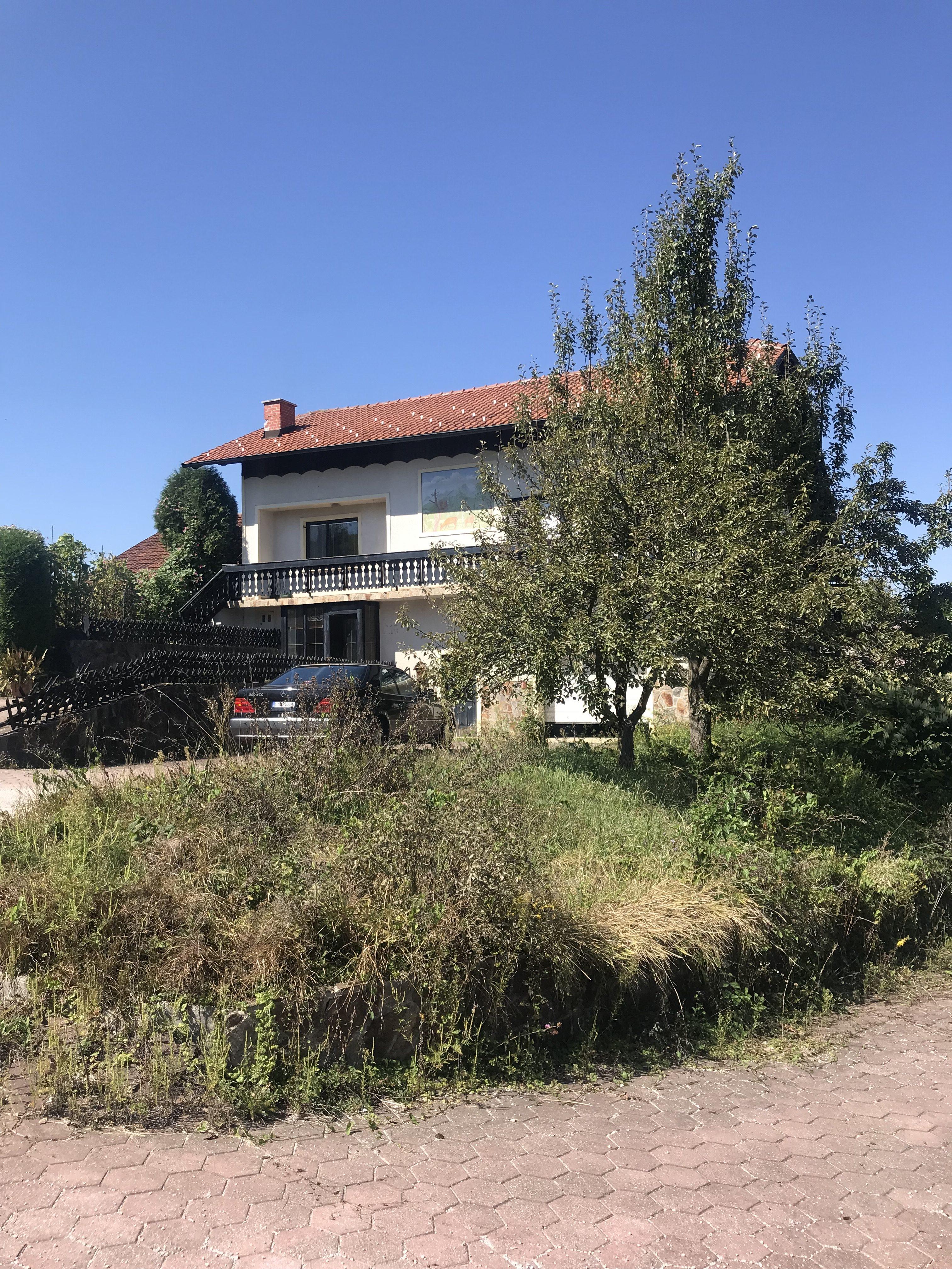 ŠMARJE PRI JELŠAH, Brecljevo 30a – prodaja – stanovanjska hiša – 270 m2, cena: 84.000 EUR